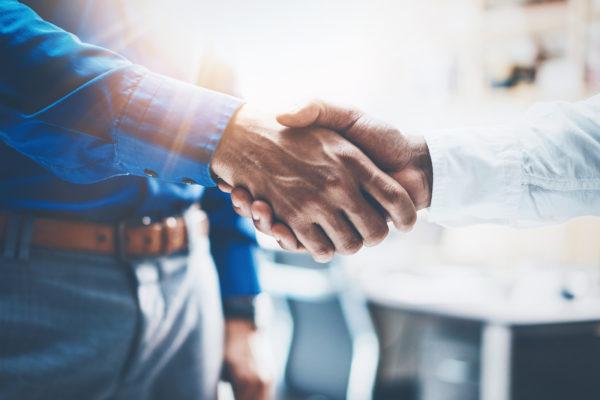 Mortgage Bankers shake hands