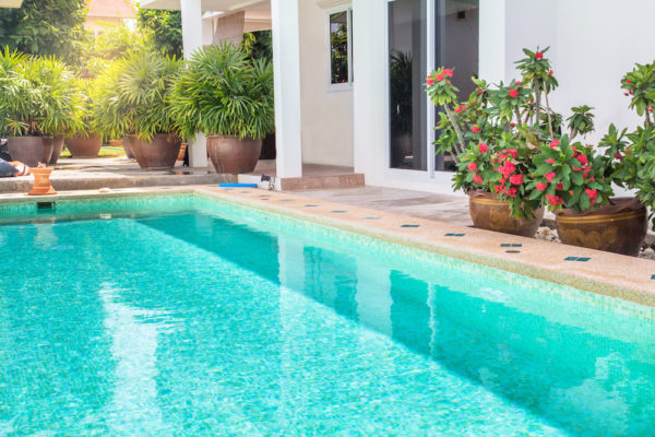 Swimming Pools Make Your Home A Sanctuary